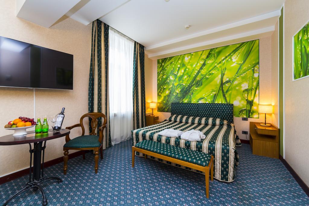 Hotel Oksana Room.jpg