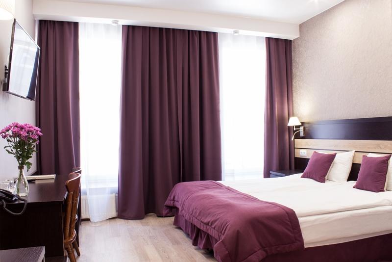 Hotel Dynasty Room.jpg