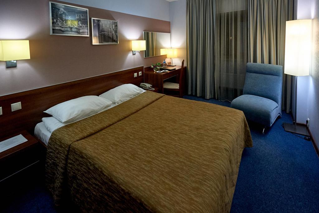 Design Hotel Room.jpg