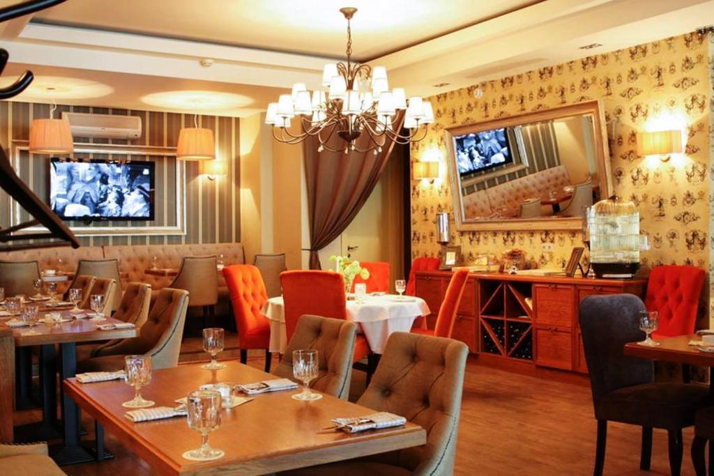 Arbat House Restaurant.jpg